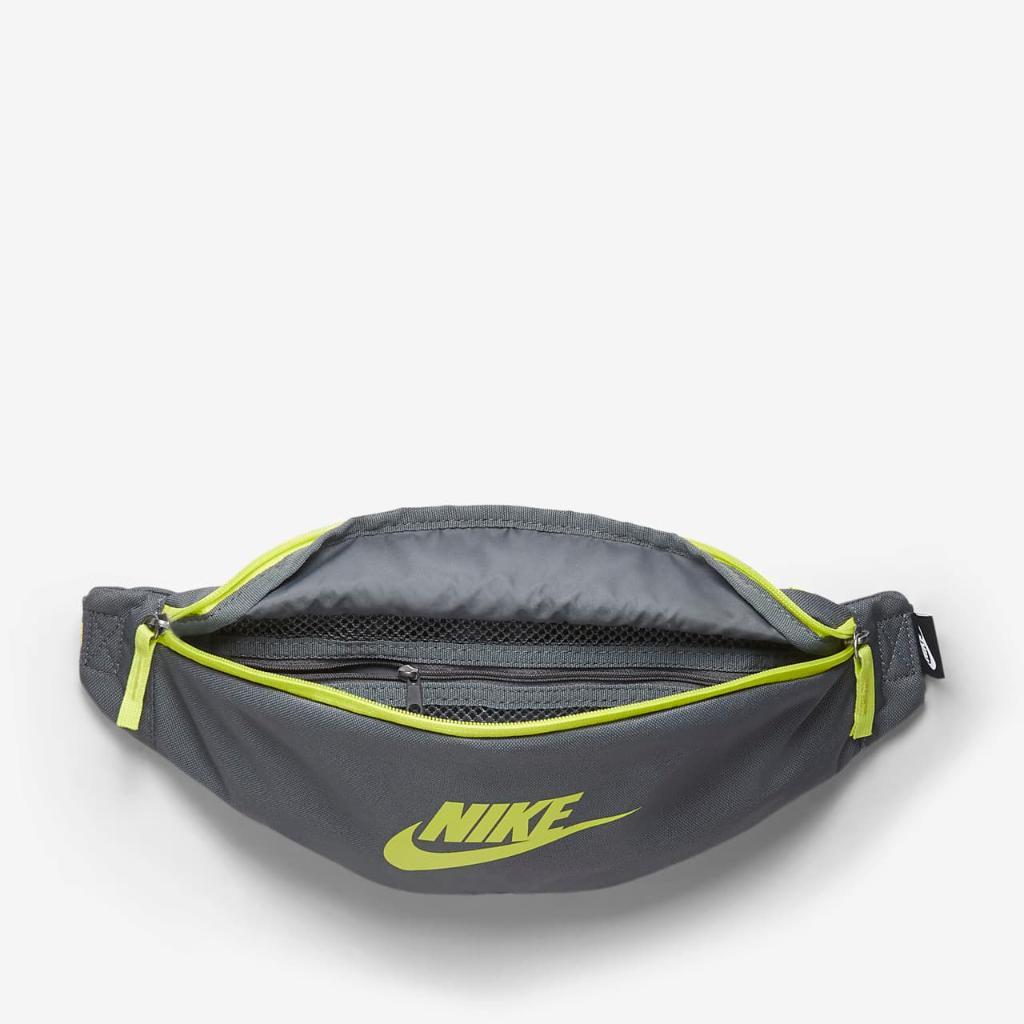 Nike Sportswear Heritage Hip Pack BA5750-068