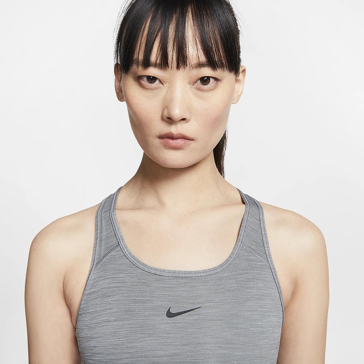 나이키 스우시 여자 미디엄-서포트 1피스 패드 스포츠 브라 BV3636-084