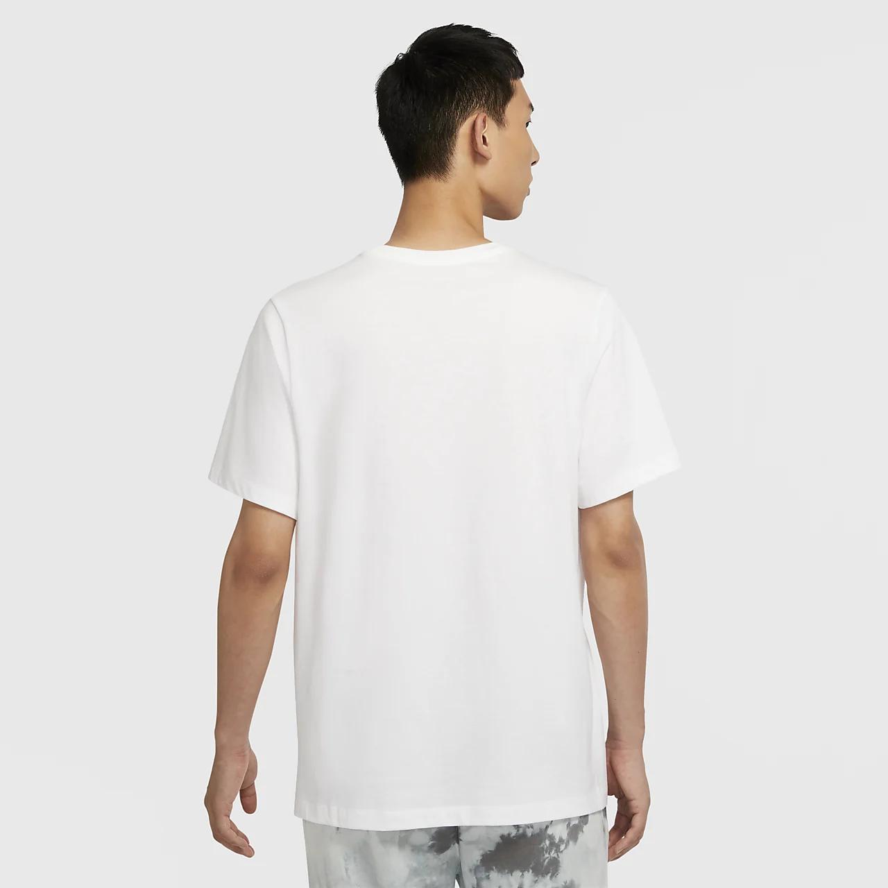 나이키 스포츠웨어 클럽 남자 카모 티셔츠 CU7458-100