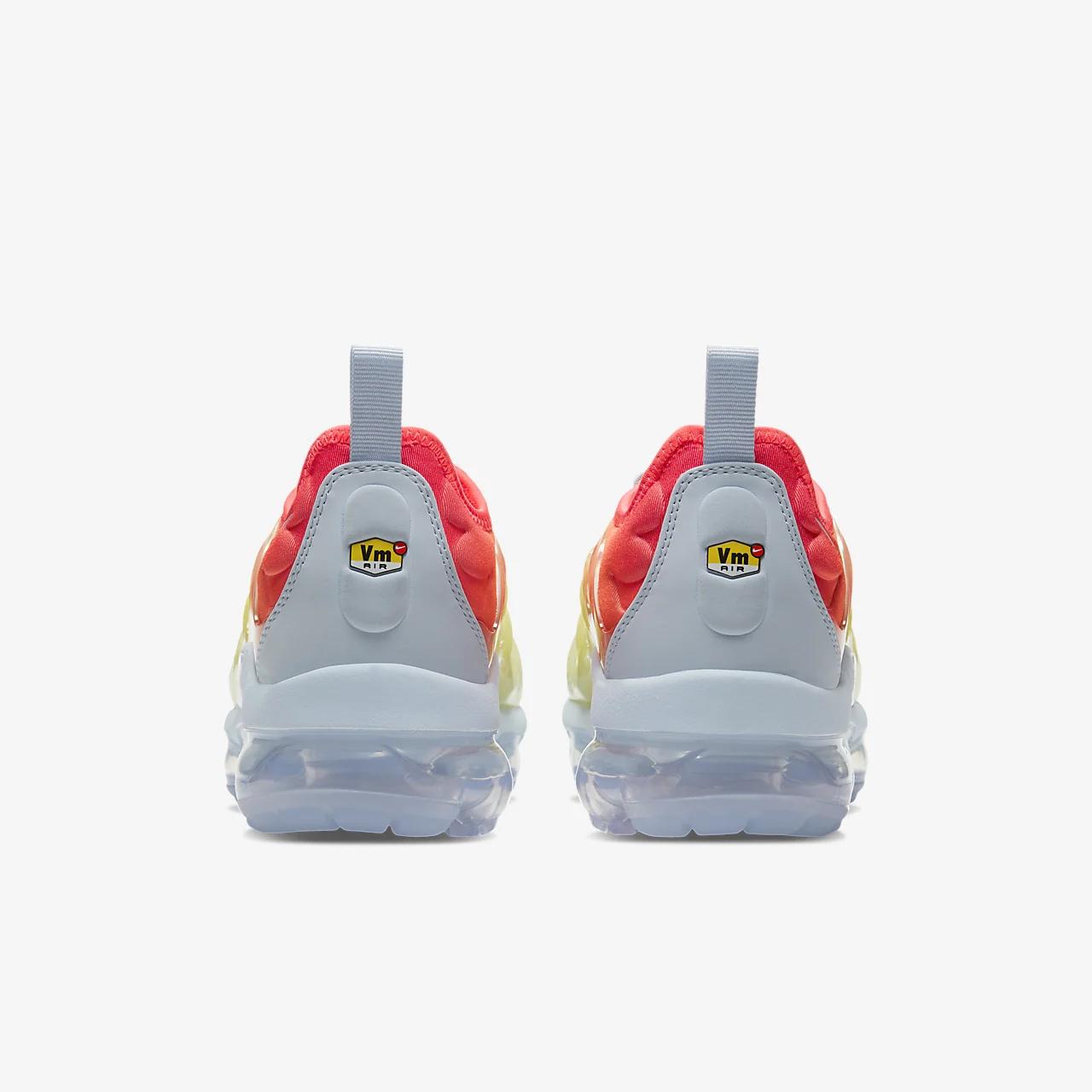 나이키 에어 베이퍼맥스 플러스 여성 신발 CW5593-400