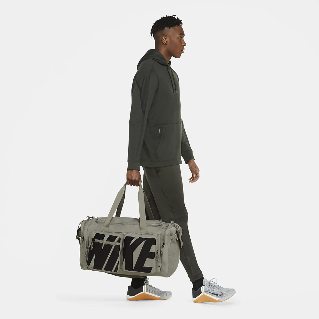 Nike Utility Power Graphic Training Duffel Bag (Medium) CZ1364-320