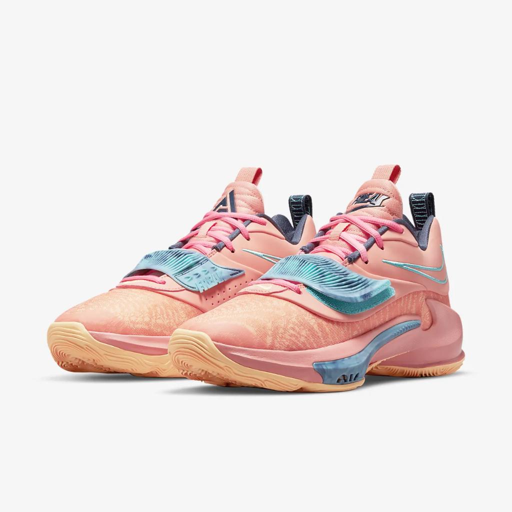 Zoom Freak 3 Basketball Shoe DA0694-600
