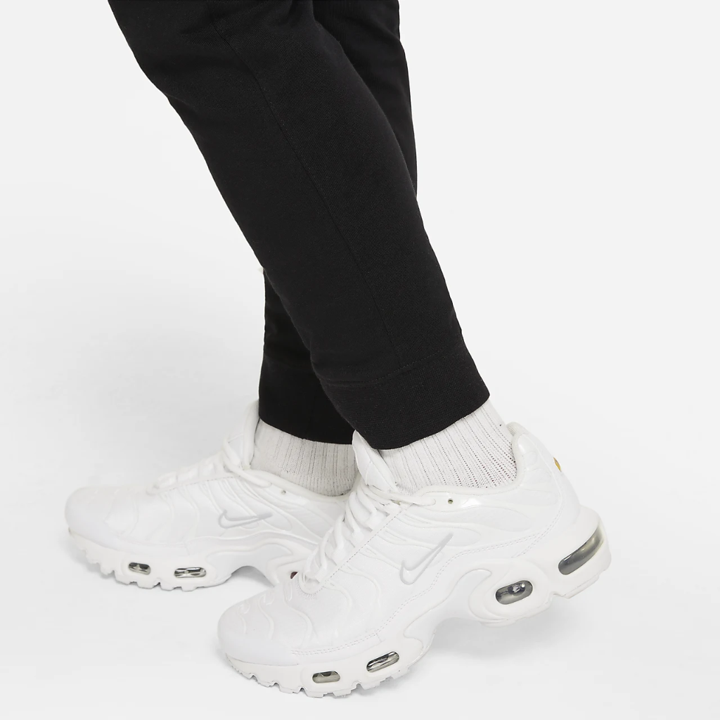 Nike Sportswear Big Kids' (Boys') Jersey Joggers DC0853-010