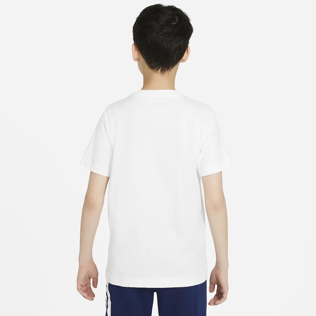 Nike Sportswear Big Kids' (Boys') T-Shirt DH6527-100