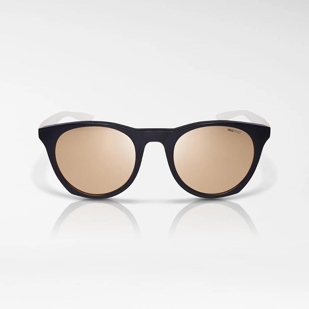 Nike Essential Horizon Sunglasses (Road Tint) DQ4552-050