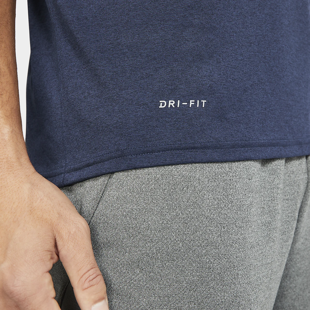 나이키 드라이핏 SFS 남성 티셔츠 M21418-NVY